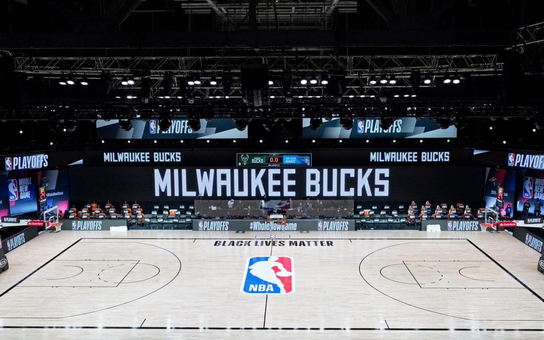 Perché l'NBA si è fermata: i Bucks guidano la protesta sportiva per la giustizia sociale